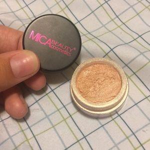 Mica Beauty Cosmetics Highlighter #3